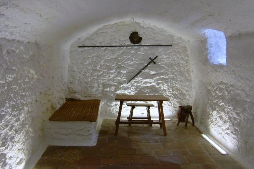 Дом-пещера Медрано