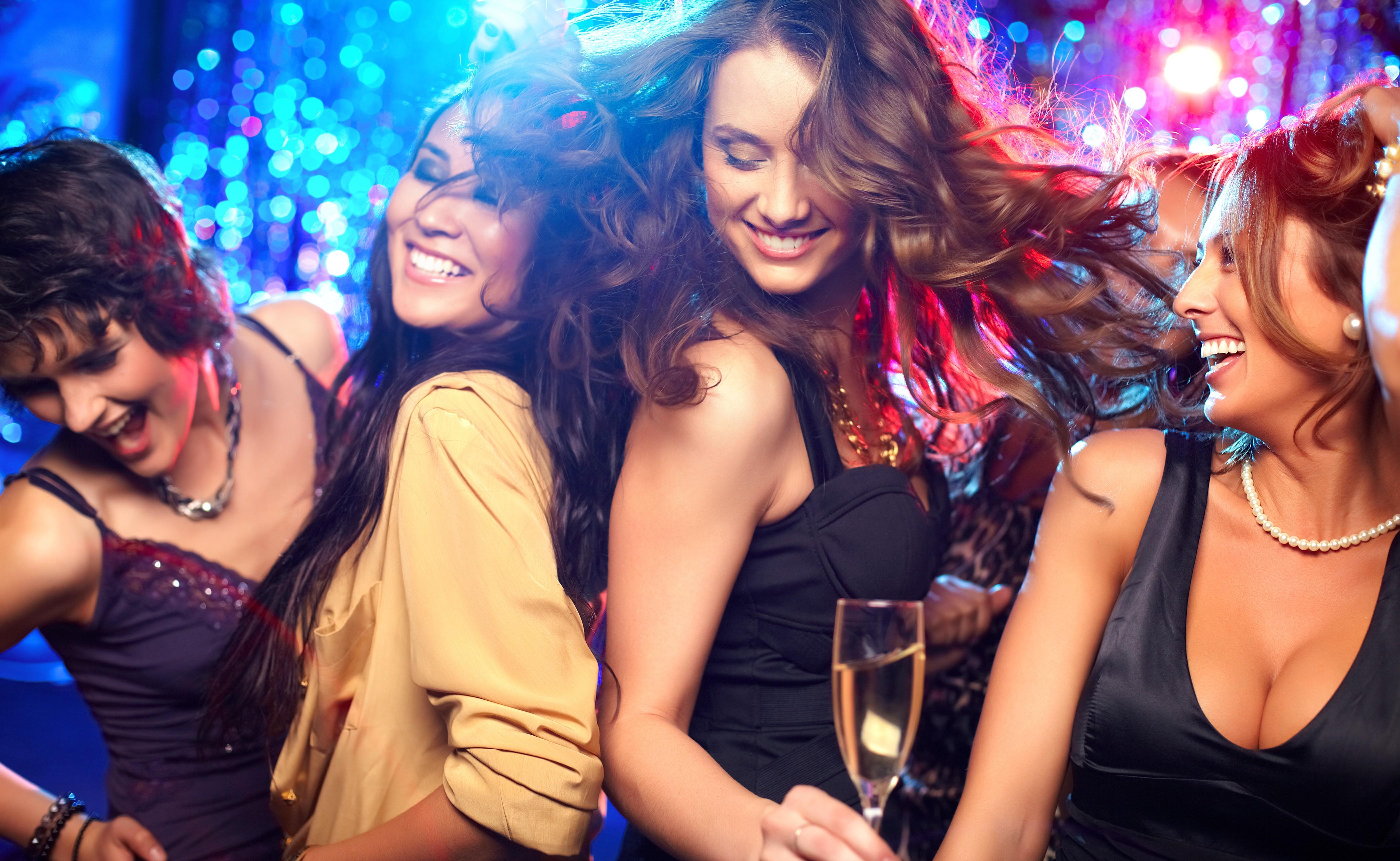 Фото в ночном клубе, видео секс я уже чувствую прилив щас кончу