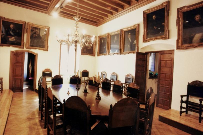 Галерея портретов величайших деятелей Каталонии