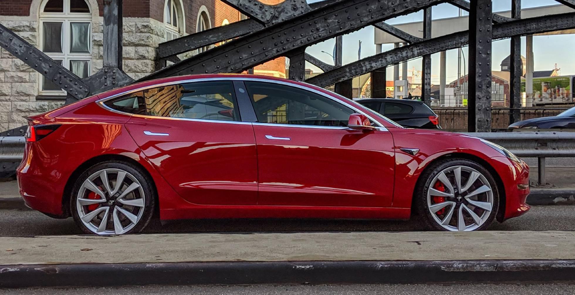 В Испании открылся прием заказов на Tesla Model 3