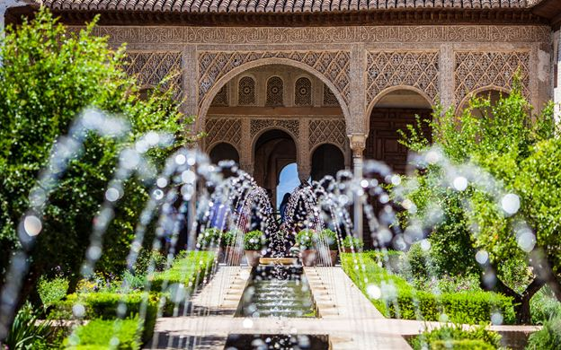 Альгамбра дворец сады фото Испания по русски все о жизни в  Территория Альгамбры Гранада