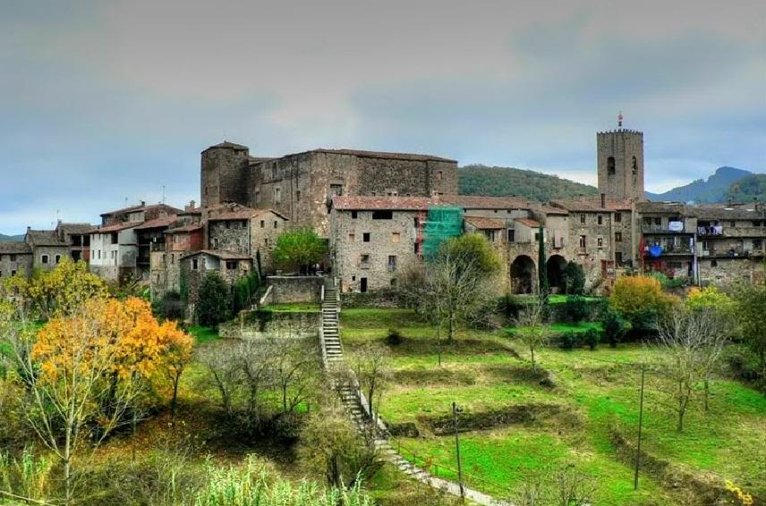 Названы уголки  Каталонии, подходящие для проведения зимних каникул