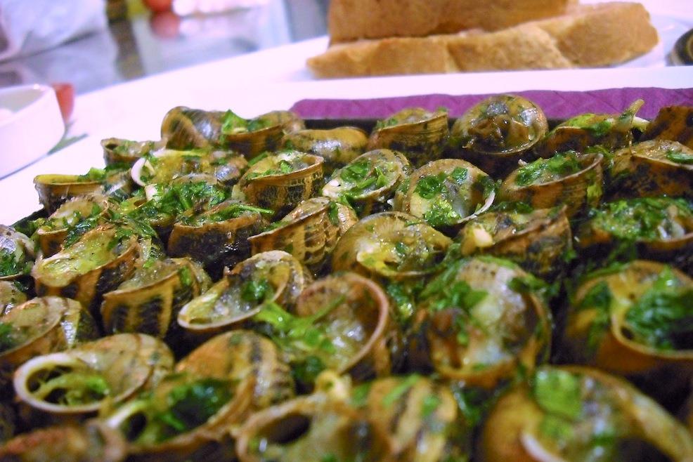Кухня Андорры: улитки под пикантным соусом