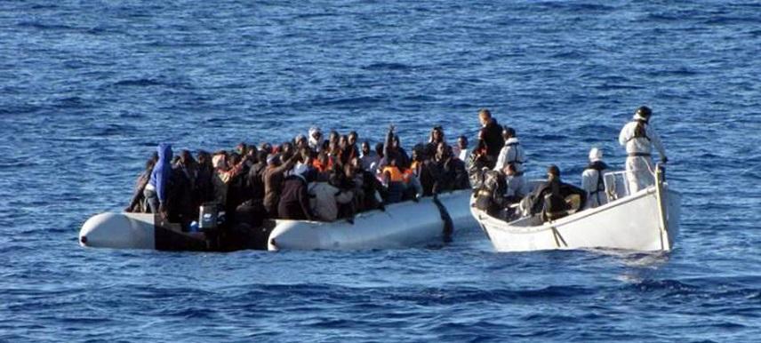 Африканки в море