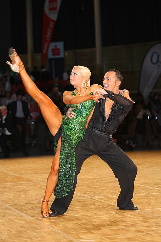 Развратные танцы фото онлайн