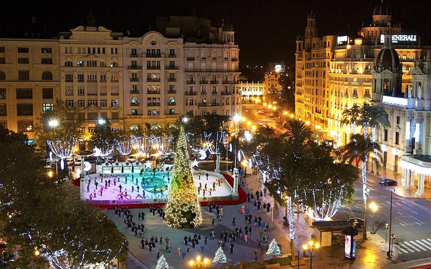 На центральной площади Валенсии откроются два катка