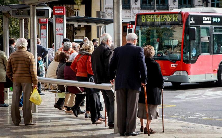 Для детей младше 10 лет проезд в автобусах Валенсии станет бесплатным