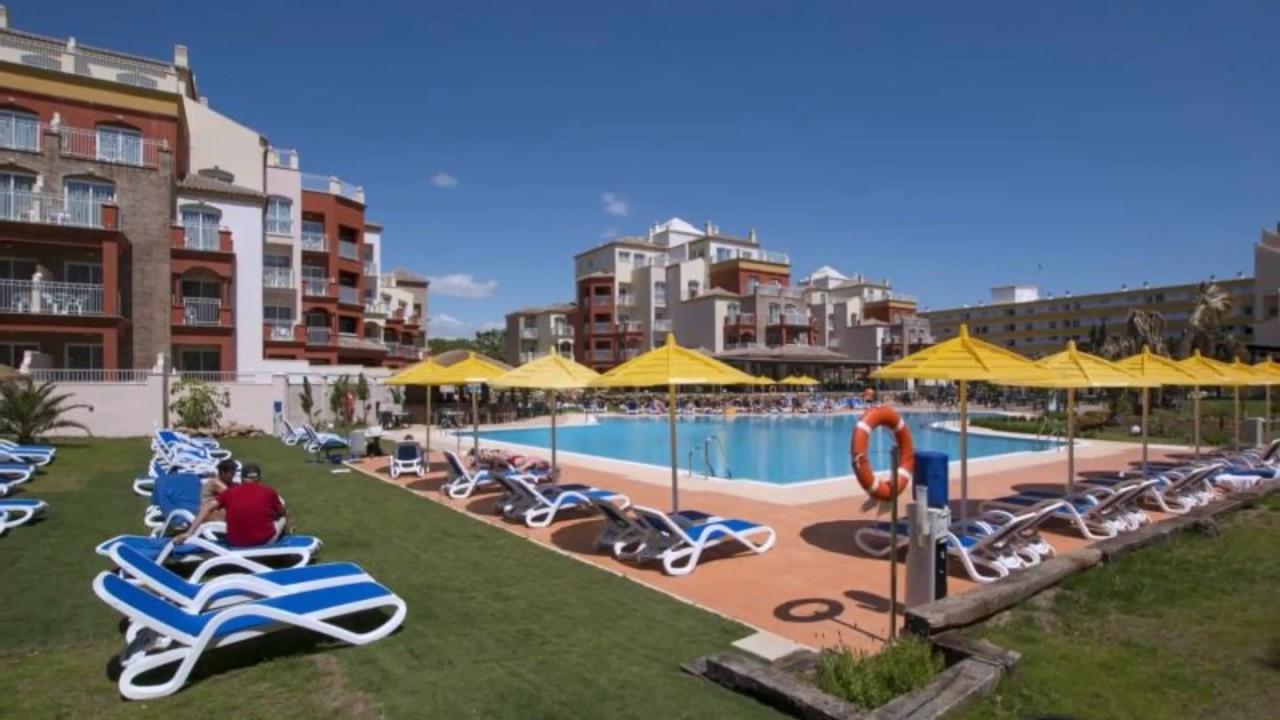 800 португальских школьников устроили погром в одном из отелей на Коста-дель-Соль