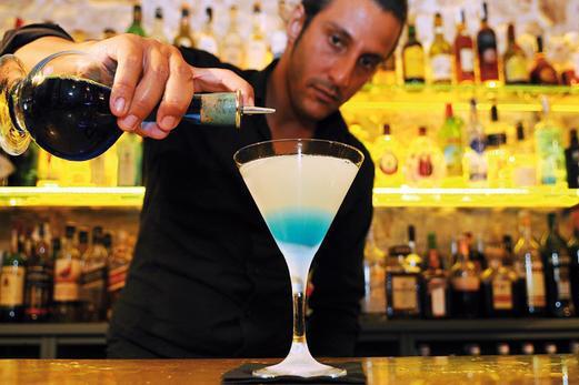 Лучшие коктейльные бары Барселоны. Aigua del Carmen