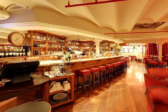 Коктейльный бар в центре Барселоны. Milano Cocktail Bar