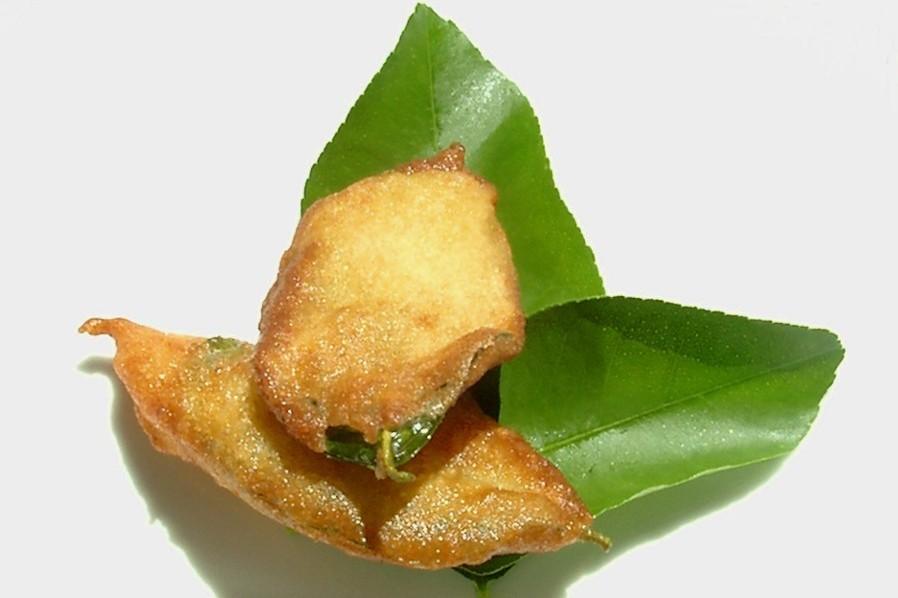 Папарахоте – пирожок с лимонным листом