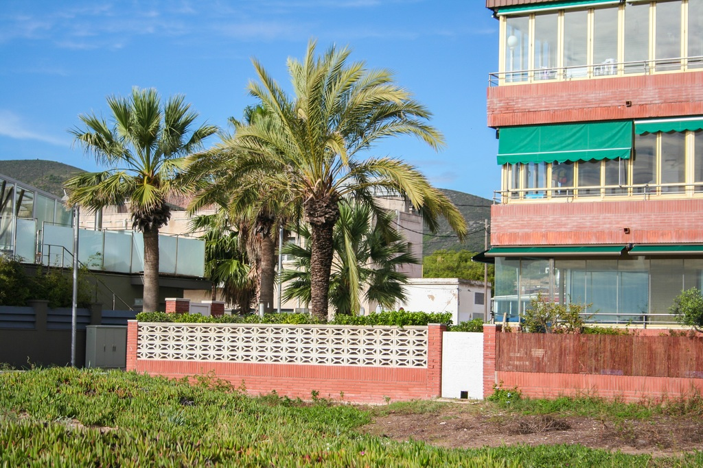 Коммерческая недвижимость на юге испании аренда офиса улица сретенка