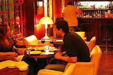 Коктейльный ретро-бар в Барселоне. Ginger.