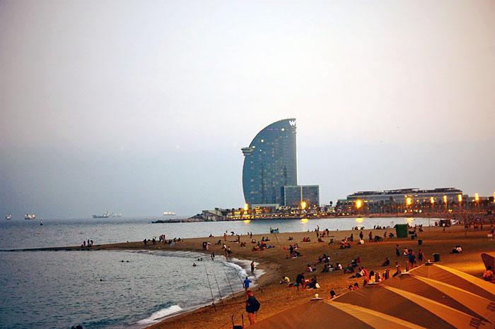 10 лучших пляжей Барселоны - фото карта как добраться отзывы