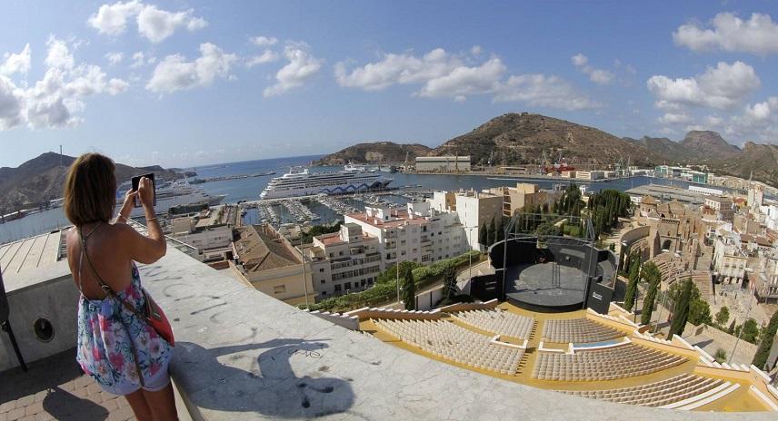 Путешествия по Средиземному морю: уплыть в круиз из Картахены
